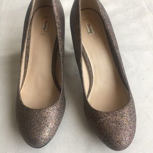 Closed multi glitter champagne shoes